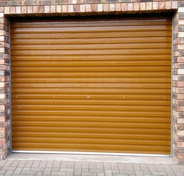 Wooden Rool-Up Garage
